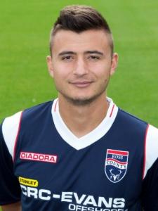 Orhan Mustafi a porté les couleurs de Ross County (D1 écossaise) lors de la saison 2013-2014.